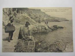 Cpa LA PPINTE DU RAZ (29) Le Port De Bestrée-¨Prépartifs Pour La Pêche Aux Langoustes - La Pointe Du Raz