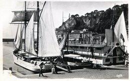 FRANCIA NICE LE CLUB NAUTIQUE ET LE PORT CARTE POSTALE CIRCA 1930 - NTVG. - Schiffahrt - Hafen