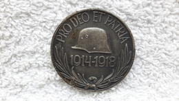 Medaille Orden Pro Deo Et Patria 1914 - 1918  Militär Helm Wappen - 1914-18