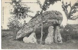 86 POITIERS Dolmen De La Pierre Levée Animation 1905  ....G - Poitiers
