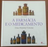 Portugal, 2004, # 60, A Farmácia E O Medicamento - Livre De L'année