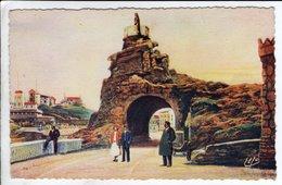 Cpa Biarritz Le Rocher De La Vierge - Biarritz