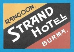 Etiquette    Strand Hôtel à Rangoon En Birmanie.  Luggage Label. - Etiquettes D'hotels