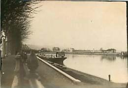 170320 - PHOTO Circa 1920 30 A PERRIER 12 Rue Longue à Lyon - 69 LA MULATIERE Péniche Valentinois Rivière - Autres Communes