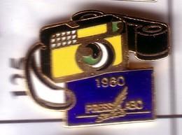 S125 Pin's PHOTO Presse Labo Qualité Egf Plume D'oie Appareil Photographie Achat Immédiat - Fotografie