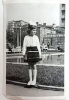 №33  Photography Of Girl In National Clothing - Sofia 1969, Old FOTO PHOTO - Anonymous Persons