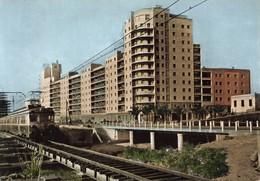 Espagne Mataro Grupo De Viviendas La Alianza Habitations Immeubles Train CPM - Barcelona