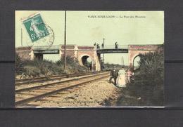 02 - VAUX SOUS LAON  -  LE PONT DES MOUTONS -  Imp Lib Mongins Lacaille à Vaux Sous Laon - Francia