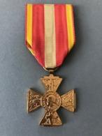 Médaille Combattant Volontaire 39-45 (Provenant Du Cadre Vitrine Fabriqué Par Le Propriétaire Qui était Sculpteur JT... - Médailles & Décorations