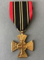 Médaille Combattant Volontaire De La Résistance  (Provenant Du Cadre  Fabriqué  Le Propriétaire  était Sculpteur JT... - Médailles & Décorations