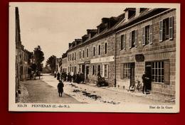 CPA Animée 22 Penvénan Rue De La Gare - Ed CAP ND.79 - Facteur ? Vélo Café Le Calvez Café Rolland ... - Penvénan