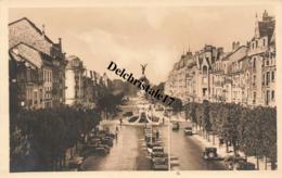 CPA 51 REIMS (MARNE) - AVENUE DROUET D'ERLON - ANIMÉE VÉHICULES ET PERSONNAGES - NON CIRCULÉE - Reims
