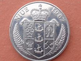 NIUE : SUPERBE 5 DOLLARS COMMEMORATIVE 1987 - STEFFI GRAF - Niue