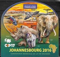TOGO  BF  1199   * *  ( Cote 21e )  Oiseaux Faucon Elephants Singe Pangolin Rhinoceros - Aigles & Rapaces Diurnes