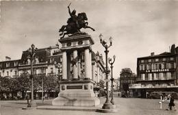 63 - CLERMONT-FERRAND - STATUE DE VERCINGÉTORIX - Clermont Ferrand