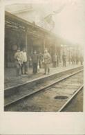 Photo Carte De Soldats Allemands à La Gare De Tamines  Photo Ch. De Vreese Bld Jacques Bertrand à Charleroi Rare !!!!! - Sambreville