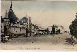 Saumur Place De La Republique - Saumur