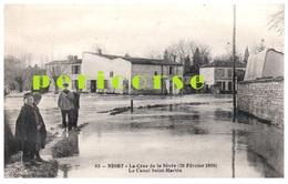 79  Niort  La Crue De La Sèvre  Groupe De Personnes Bord Du Canal St Martin - Niort