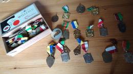 Verzameling Van Meer  Dan 50 Herinneringsmedailles Wandelsport - Meestal O. Vl (Wetteren Enz) - Autres