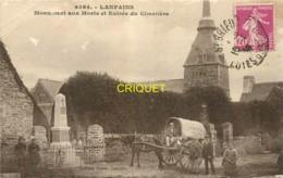 22 Lanfains, Monument Aux Morts Et Entrée Du Cimetière, Superbe Chariot Bâché Au 1er Plan, Carte Pas Courante - France