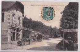 BAGNOLES-DE-L'ORNE - Route De Domfront - Magasins Cycles Automobiles Saunier - Automobile - Voiture Ancienne - Bagnoles De L'Orne