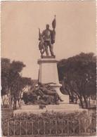 566 KONAKRY - LA STATUE DU GOUVERNEUR BALLAY - DOCTEUR BALLAY, 1er GOUVERNEUR DE GUINÉE - Guinee
