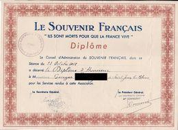 """Cl 9)    Diplôme """"Le Souvenir Français"""" Papier A 4 1962 - Dokumente"""