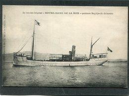 """CPA - Le Navire-Hôpital """"NOTRE DAME DE LA MER"""" Quittant Reykjavik (Islande) - Warships"""