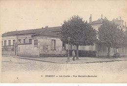 DRANCY :RARE CPA DE 1925. LES ECOLES -RUE MARCELIN-BERTHELOT.ANIMEE..N°8.B.ETAT.PETIT PRIX.COMPAREZ!! - Drancy