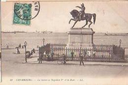 Cherbourg   604          La Statue De Napoléon Et La Rade - Cherbourg