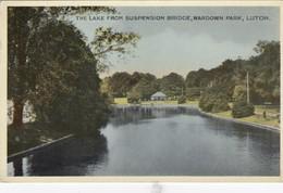 Postcard The Lake From Suspension Bridge Wardown Park Luton PU 1946 My Ref  B14039 - Angleterre