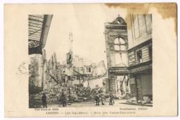 Amiens - Les Galeries - Rue Des Trois-Cailloux - Animée - Dégâts Guerre - Visé Paris N°3534 - Prud'homme - Circulé - Amiens