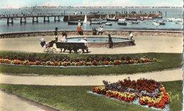 PORNICHET ( 44 ) - Les Jardins Et Le Port . - Pornichet