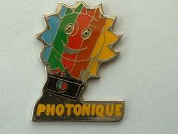 PIN'S PHOTOGRAPHIE - PHOTONIQUE - Fotografie