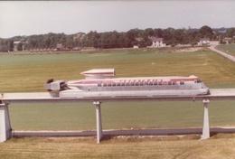 L'Aérotrain Interurbain 'Orleans' I-80  -   15x10cms PHOTO - Treinen
