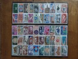 FRANCIA - Lotticino 50 Francobolli Differenti Nuovi ** Anni '60/'70 + Spese Postali - Unused Stamps