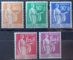 R1513/146 - 1937/1939 - TYPE PAIX - N°366-367-368-370-371 NEUFS** - France