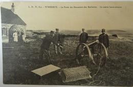 CPA WIMEREUX--LE POSTE DES DOUANIERS DES ROCHETTES. LE CANON LANCE-AMARRE. - Francia