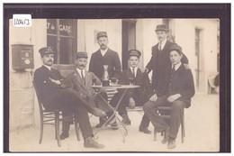 CHAMPERY - GROUPE DE CHAUFFEURS D'HOTELS - SUR LES CASQUETTES: CHAMPERY, MCM, DENTS DU MIDI, VICTORIA PARK HOTEL - TB - VS Valais