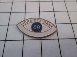 619  Pin's Pins / Beau Et Rare / THEME : BANQUES / LION'S EYE BANK - Banken