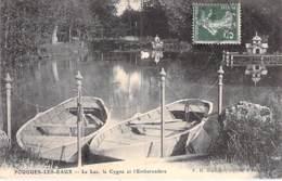 58 - POUGUES LES EAUX : Le Lac, Le Cygne Et L'Embarcadère ( Barques En Bon Plan ) CPA Village (2.390 Habitants) Nièvre - Pougues Les Eaux