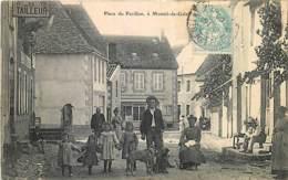 63 , LE MONTEL DE GELAT , Place Du Pavillon , * 440 14 - Autres Communes
