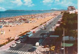 RIMINI - LUNGOMARE E SPIAGGIA - AUTO D'EPOCA CARS VOITURES - AUTOBUS CORRIERE - VIAGGIATA 1965 - Rimini