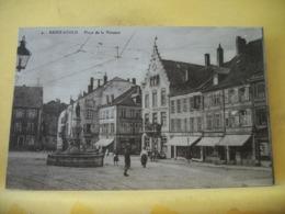 57 4035 CPA 1926 - 57 SAINT AVOLD. PLACE DE LA VICTOIRE - ANIMATION. - Saint-Avold