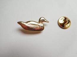 Superbe Pin's En Relief , Canard , Colvert , Duck - Tiere