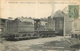 VERSAILLES ECOLE DE CHEMIN DE FER 5e REGIMENT DE GENIE RENTREE AU DEPOT DE LA FOUDROYANTE - Matériel