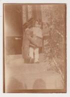 27351  Photo Enfant Peluche Ours Teddy Bear 1935 Finistere Nord ? 29 Bretagne France Plougasnou Brest Conquet  Fillette - Personnes Anonymes