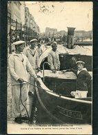 CPA - Marine De Guerre Française - Arrivée D'une Vedette De Service Devant Porter Des Vivres à Bord, Animé - Guerra
