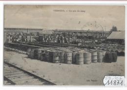 11871  FRD58   CPA VERNEUIL UN COIN DU CAMP 1920  TBE - France