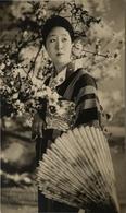 Japan - Japon // Carte Photo - RPPC // Woman - Geisha?? Theatre? 19?? - Non Classés